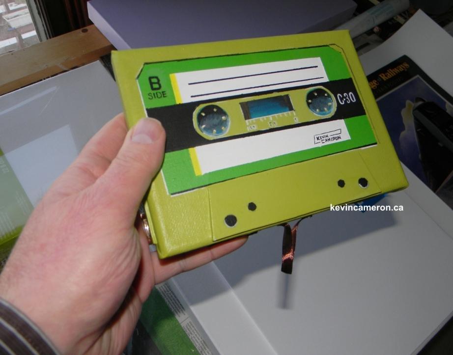 Handcassettesigned